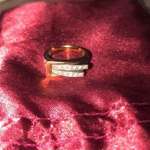 Jewelry - Gold ring Guy Laroche